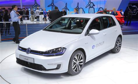 2015 volkswagen e golf drive photo image gallery car and driver
