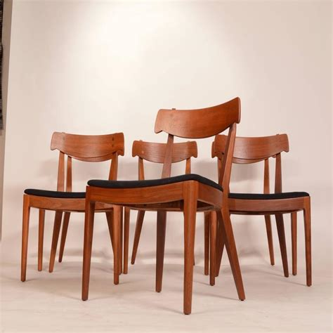 drexel dining room furniture drexel dining room furniture set of eight chairs by