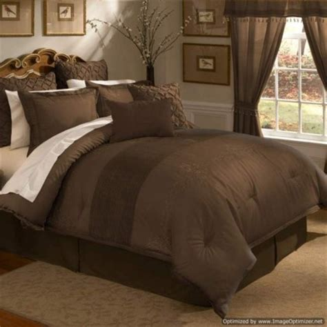 chocolate brown comforter set 25 best ideas about brown bedrooms on brown