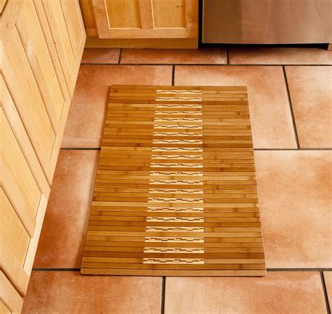 bamboo bathroom rug bamboo shower mat the point pluses homesfeed