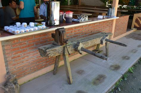 popular woodworking workbench workbenches mexi style popular woodworking magazine