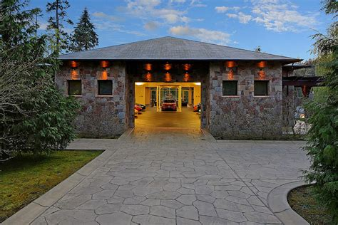 big car garage 2 bedroom house in washington centered around a 16 car
