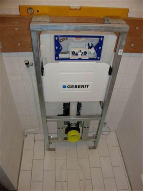 Zwevend Toilet Afvoer by Hangend Toilet Versus Riool Afvoer Pagina 2