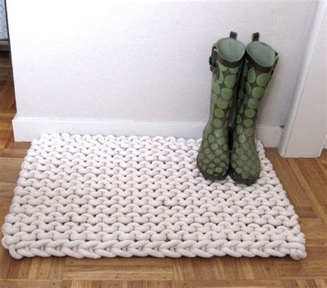 diy knit rug 9 diy rope rug projects to try rope rug macrame and crochet