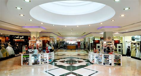 in mall advantages disadvantages of shopping centers mall