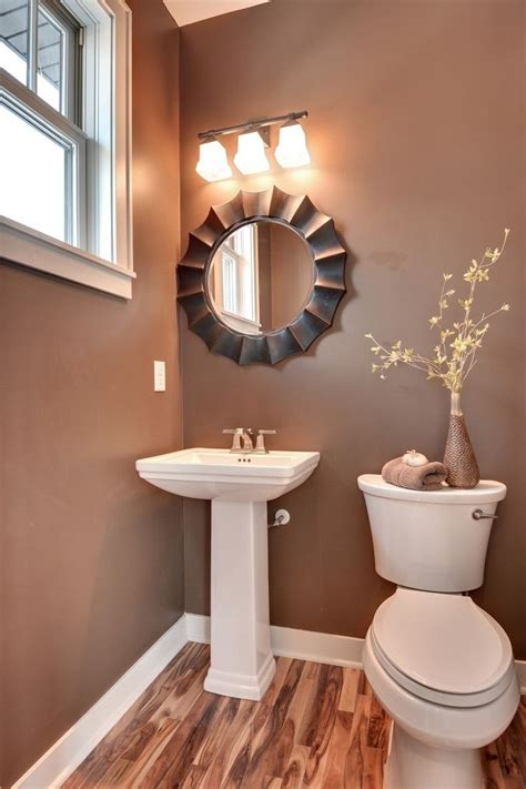 bathroom furnishing ideas 1000 ideas about small condo decorating on
