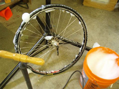 tire soap bead erik voldengen mounting a cyclocross tire using stans notubes