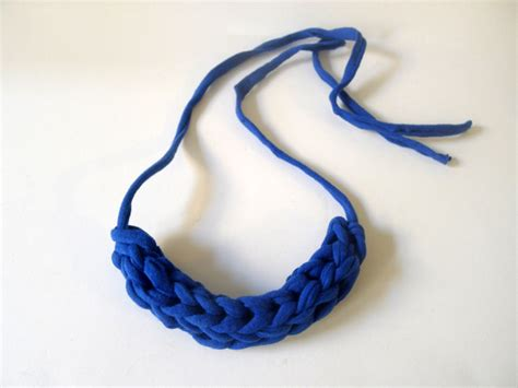 how to knit a necklace thanks i made it diy chunky finger knit necklace