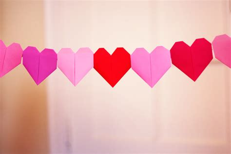 paper hearts origami make a solid color origami garland how about orange