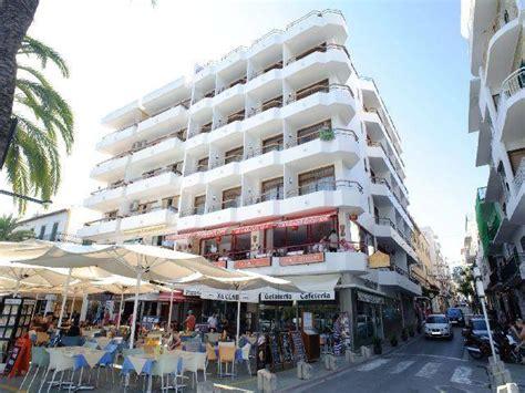 apartamentos tramuntana formentera tramuntana apartments san antonio ibiza spain book