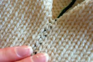 sewing knitted seams seaming two colors together