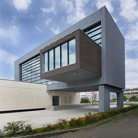 modern architects san paolo bank parasite studio baltasarh archdaily