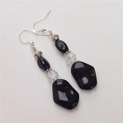 beaded dangle earrings beaded earrings black beaded dangle earrings by everydaywomen