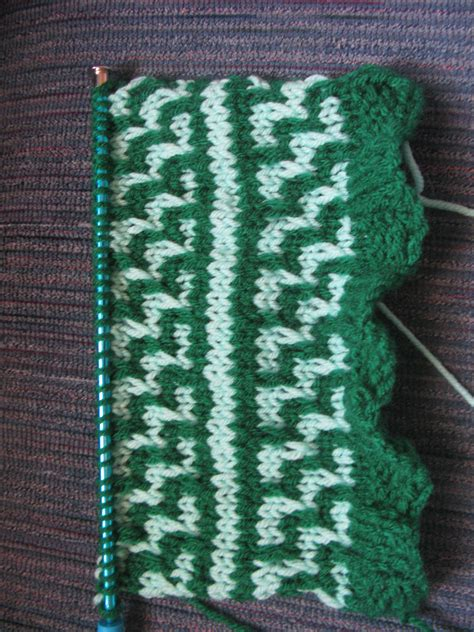 how to knit 2 colors together must not start new knit crochet projects craftotaku