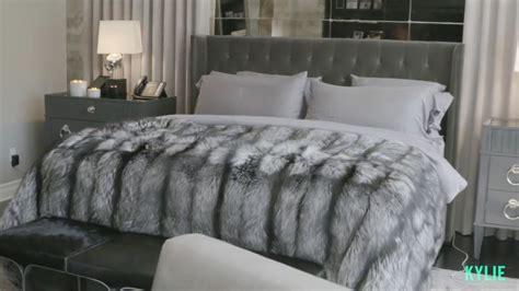 kris jenner bedroom furniture best 25 jenner bedroom ideas on