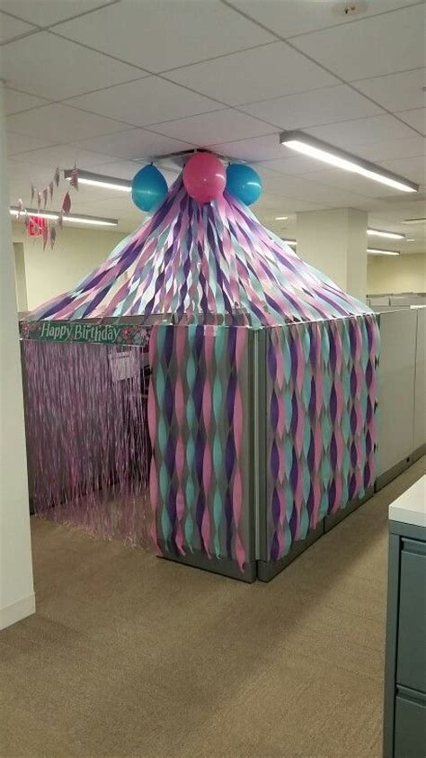 cubicle decorations ideas best 20 office cubicle decorations ideas on