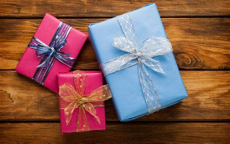 how to pack gifts how to pack and ship your own gifts