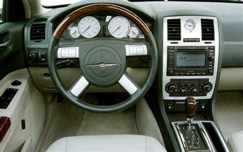 2005 Chrysler 300 Interior by 2005 Chrysler 300c Test Motor Trend