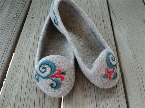 how to felt knitting by summer slippers by moniquerae knitting pattern