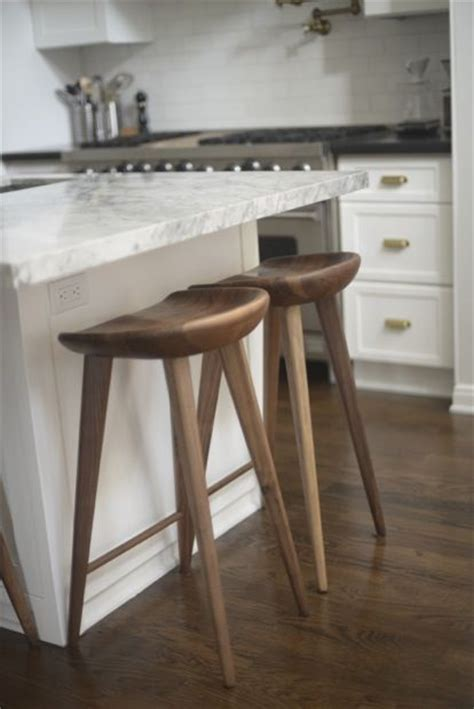 kitchen island chairs or stools 25 best ideas about kitchen island stools on island stools bar stools and bar