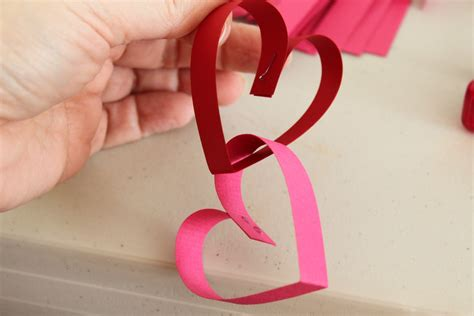paper chain crafts paper chain great s day craft to do