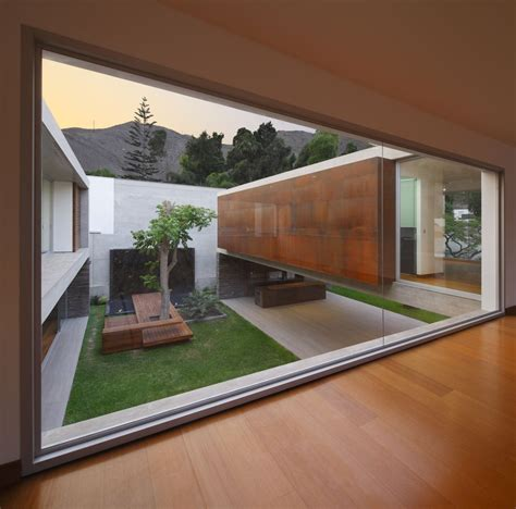 homes with courtyards 10 stunning structures with gorgeous inner courtyards