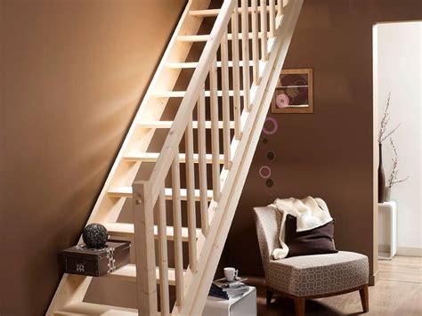 escalier droit en bois naturel pin de chez leroy merlin photo 3 10 le bois va tr 232 s bien