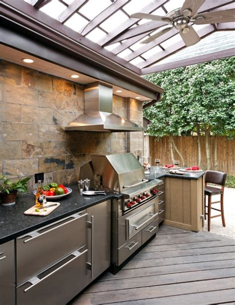 covered outdoor kitchen designs best 25 covered outdoor kitchens ideas on