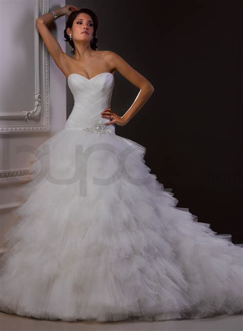 wedding dresses gown wedding dress with sweetheart necklinecherry