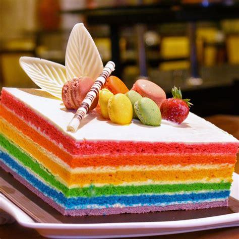 rainbow cake at chatter lounge food foodie foods dessert rainbowcake nomnomnom
