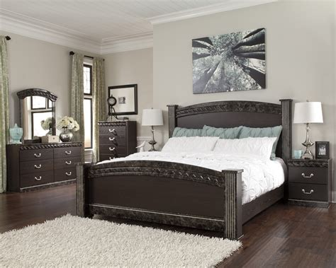 Buy Vachel Bedroom Set By Signature Design From Pulaski Bedroom Sets