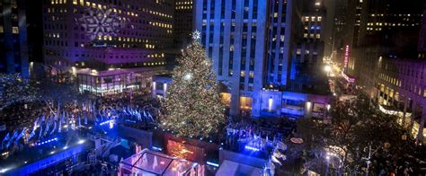 hotels with view of rockefeller tree secrets of the rockefeller center tree am new york