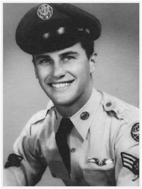 Tv Painter Msgt Bob Ross Us Air Ret Served 1961