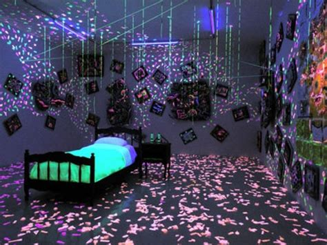 glow in the paint room las vegas glow in the room things i want awesome