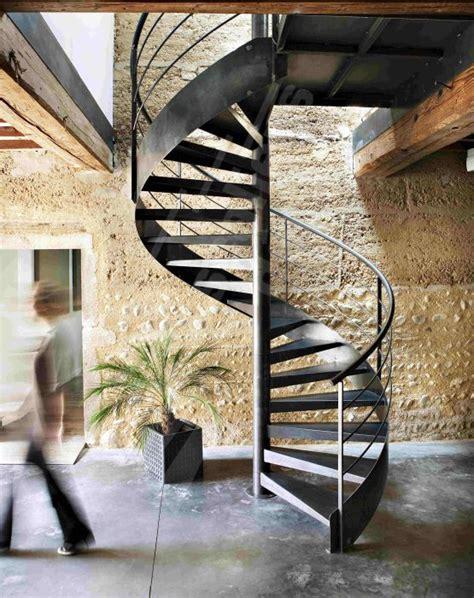 25 best ideas about escalier h 233 lico 239 dal on escalier en colima 231 on escalier