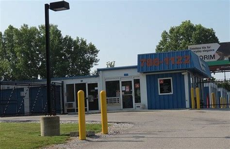 Storage Units Greenwood Indiana by Storage In Indianapolis At Emerson Ave Securcare Self