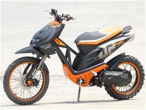 Modification Motor Beat Merah by Honda Beat Road Modifications