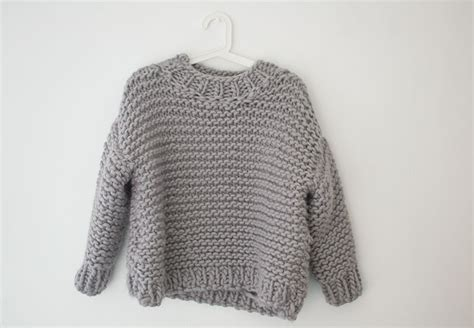 how to knit a jumper how to make mini knitted jumpers let s do something crafty