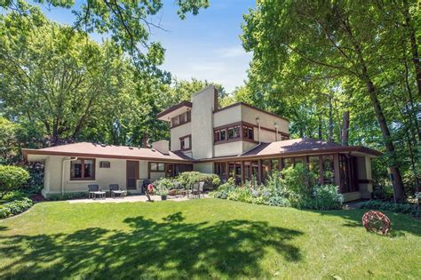 frank lloyd wright style homes frank lloyd wright homes for sale around chicago curbed