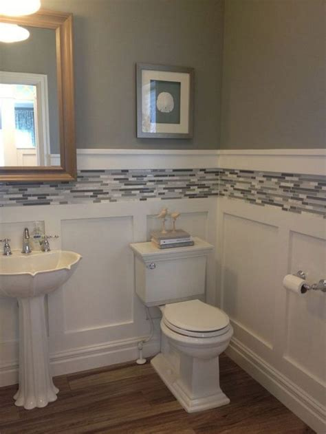 Small Bathrooms Makeover by Best 25 Small Bathroom Makeovers Ideas Only On
