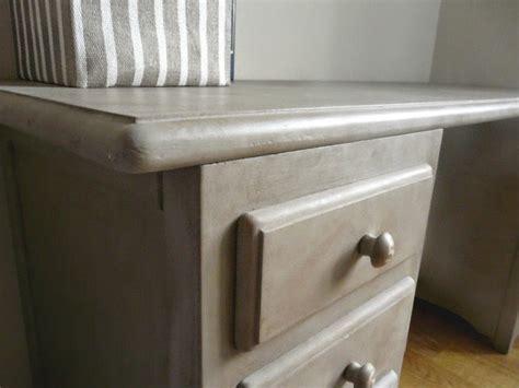 chalk paint y barniz mesa escritorio gris restaurada con chalk paint antojada