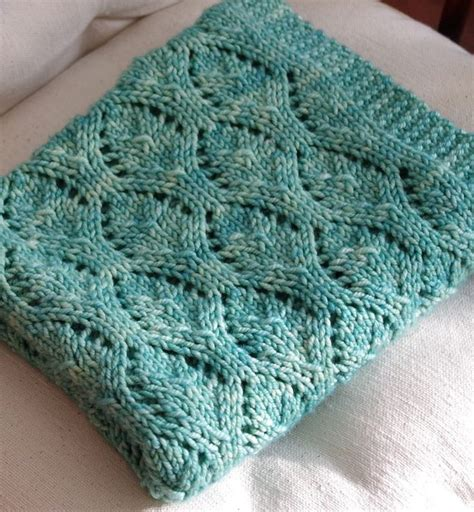 easy knit baby blanket 1000 ideas about baby blanket patterns on