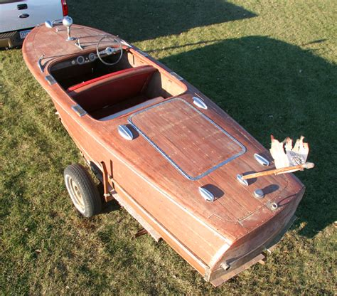 1947 17 Ft Chris Craft Deluxe Runabout Project Boat For Sale