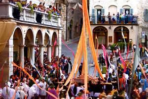 festival italia traditional events in italy italian breaks