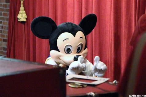 magic kingdom mickey mickey mouse at town square theater magic kingdom walt