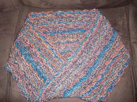 homespun yarn scarf pattern knit solomon knot mobius scarf with homespun yarn sooo soft