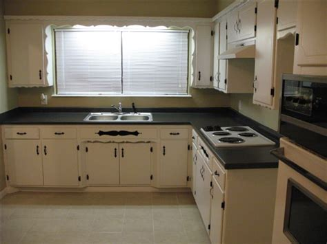 kitchen cabinet painting contractors painting kitchen cabinets painting finish work
