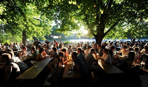 Englischer Garten München Viewing la biergarten s implante dans le cœur historique de mtp