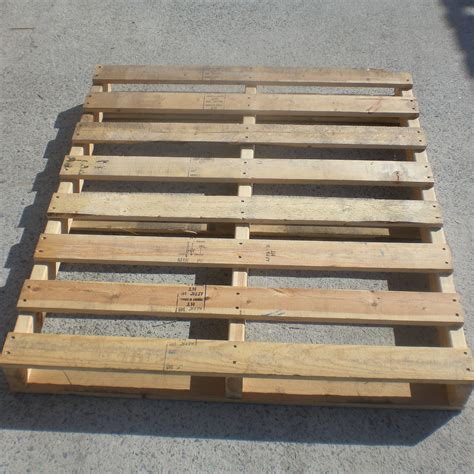 pallet woodworking how to score free pallets allender dot