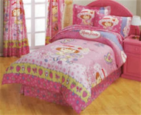 strawberry shortcake bed set strawberry shortcake bedding for a baby nursery room